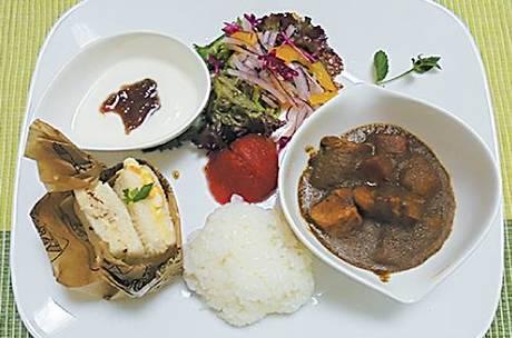 「ホテルの食事のようにおいしい!」 と評判の施設内で作る軽食