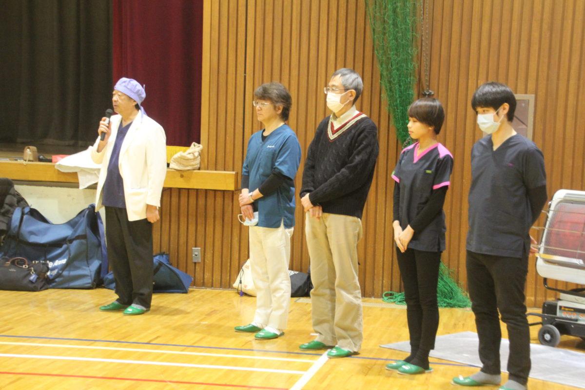 三咲小学校で歯科医師らによる「救急蘇生法講習会」、児童150人が参加心肺蘇生法やAEDの実演など体験